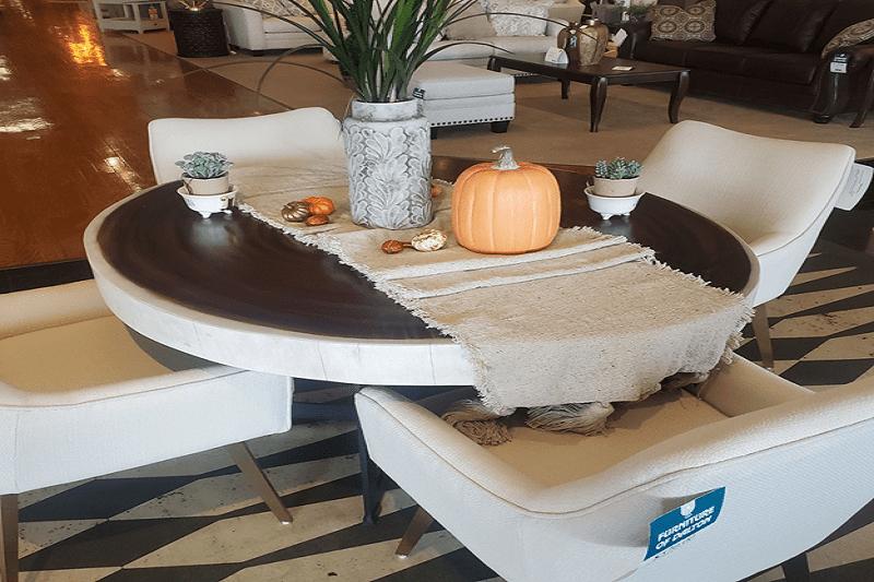 September: Fall Decorating Trends